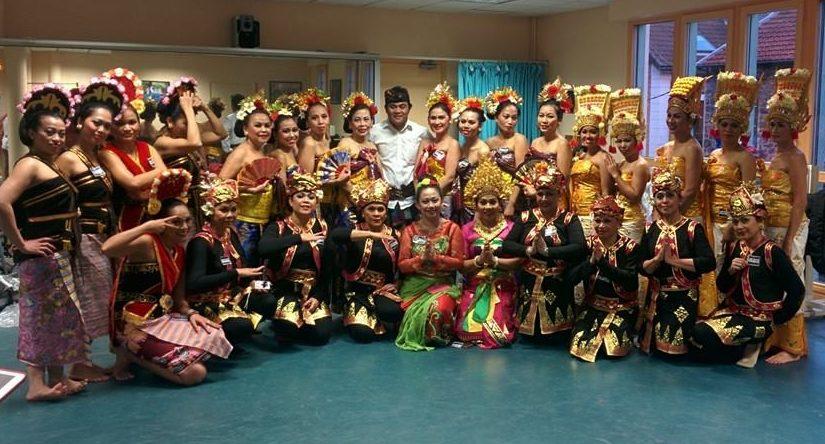 Association de Danseuses indonésiennes Sekar jagat indonesia SJI