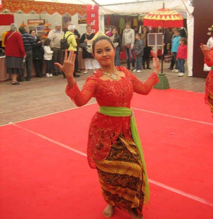 danseuse de Yapong indonésienne Sekar Jagat Indonesia SJI